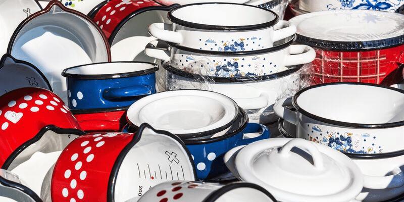 How to Clean Enamel Pans