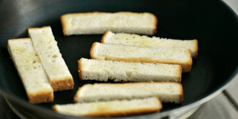 How to Toast Bread in a Pan