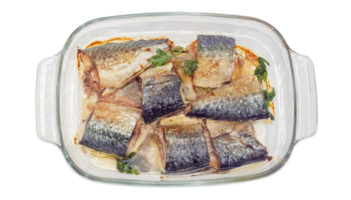 How to Bake Fish in a Glass Pan