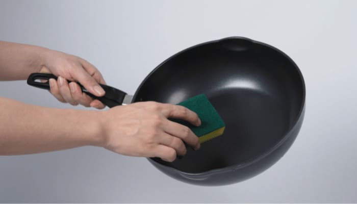 How to Clean a Non-Stick Griddle Pan
